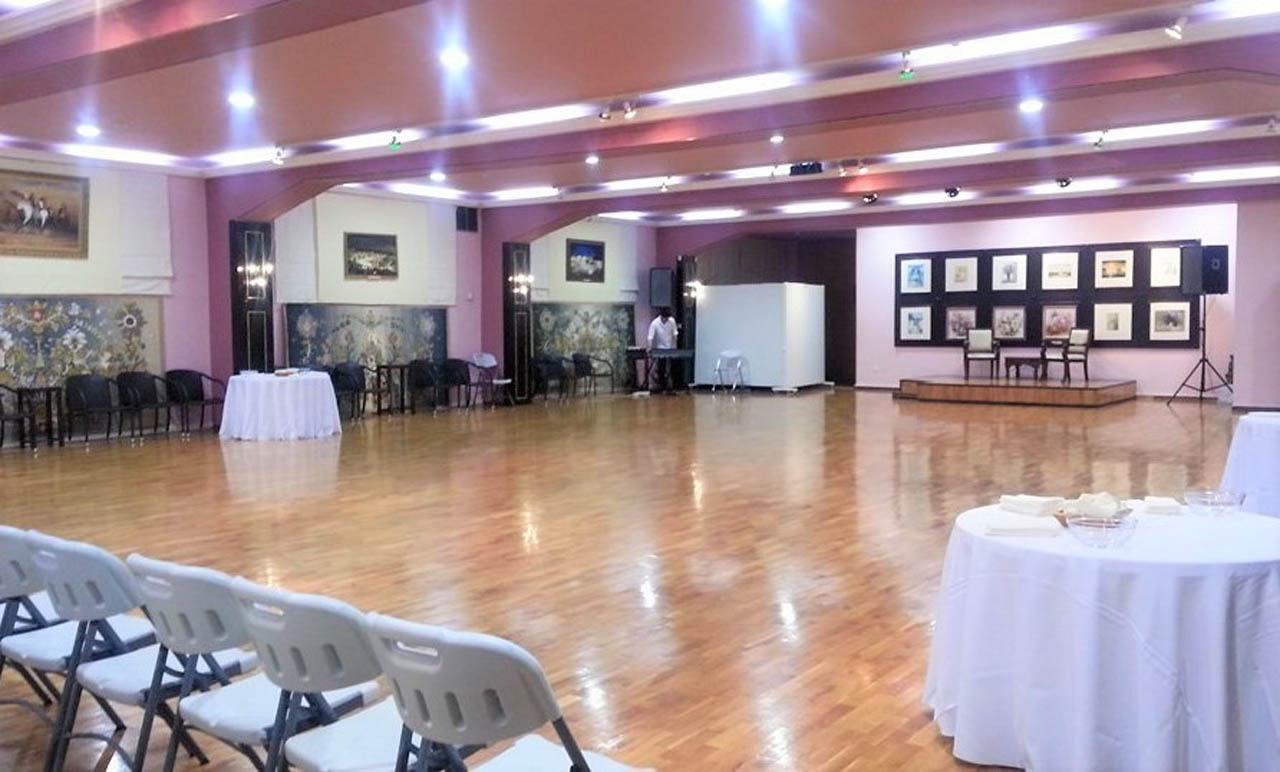 Big wooden dance floor event hall at barin halls - 10