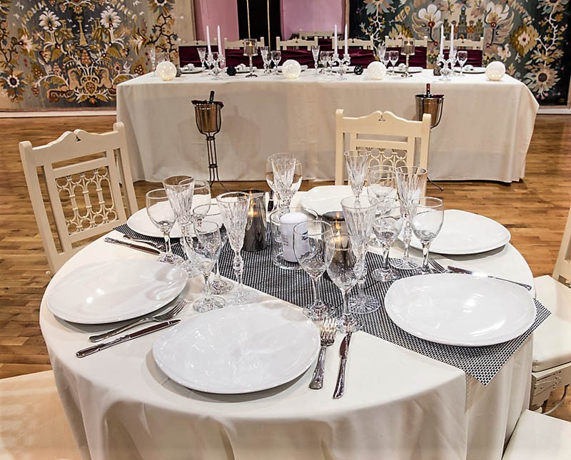 Reception decoration table silver cutlery crystal glasses luxury wedding hall barin events glyfada elliniko regions 2