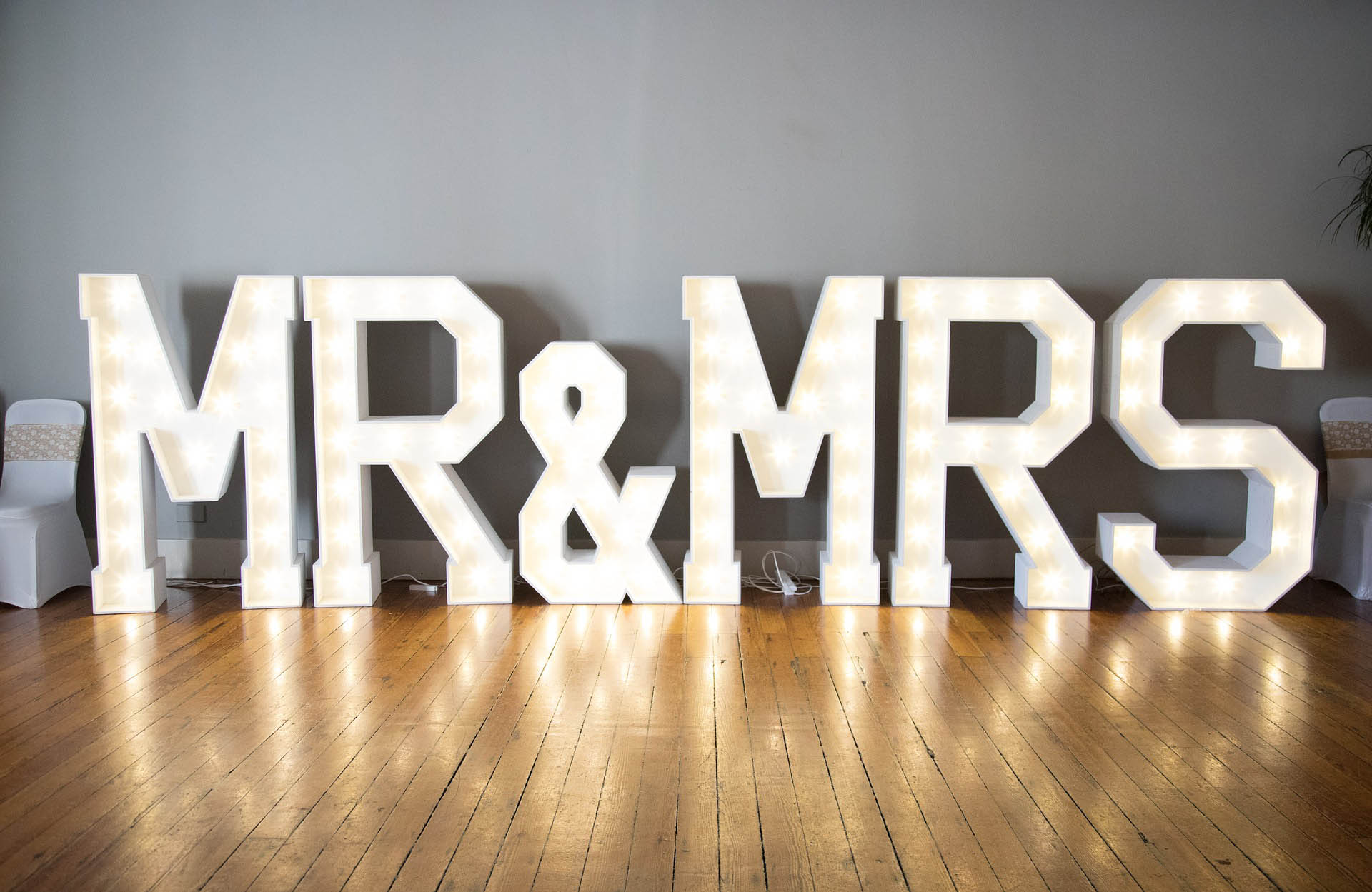 Mr and mrs decoration letters barin multivenues reception halls for events - 7