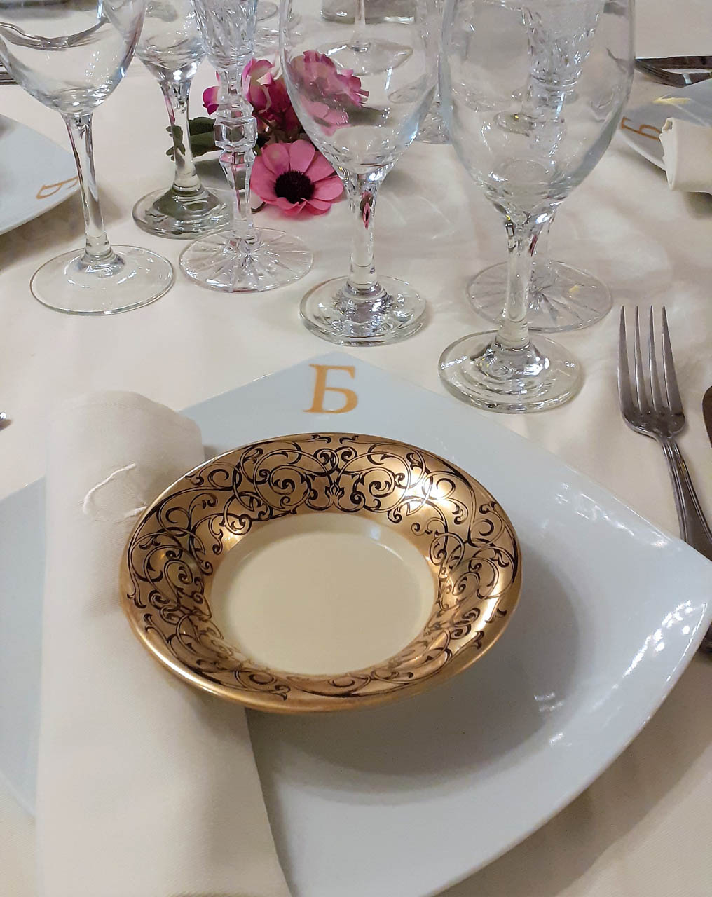 Wedding dish porcelain quality equipment receptions hall event athens glyfada barin events